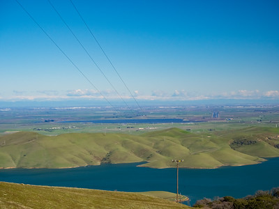 Los Vaqueros Reservoir (foreground) & Clifton Court Forebay (in the distance). Whipsnake Loop Trail. Los Vaqueros Watershed - Contra Costa County, CA, USA