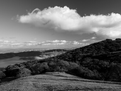 Tracy, Los Vaqueros Reservoir (left). Near Whipsnake Loop Trail. Los Vaqueros Watershed - Contra Costa County, CA, USA
