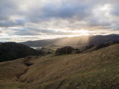 Calaveras Reservoir (left), Monument Peak & Mt. Allison (right). McCorkle Trail. Sunol Regional Wilderness. Sunol, CA, USA