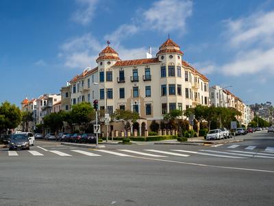 Intersection of Scott St, Cervantes Blvd, and Marina Blvd. San Francisco Bay Trail. San Francisco, CA, USA