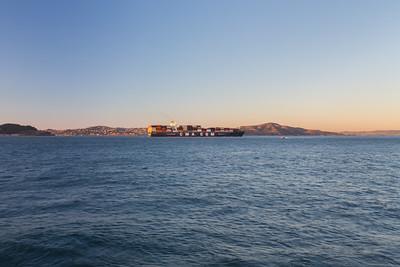 Sunset. Boat. Near Torpedo Wharf - Presidio - San Francisco, CA, USA