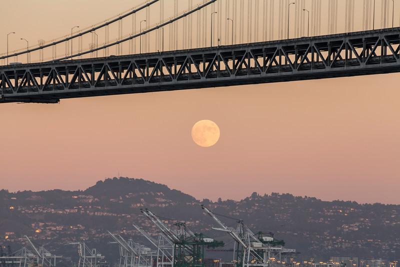 Moon Rise and Sunset. Bay Bridge. Pier 14 - San Francisco, CA, USA