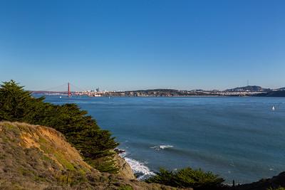 Golden Gate Bridge & Downtown San Francisco (left), Baker Beach & Sutro Tower (right). Near Bonita Lighthouse Parking. Marin Headlands. Golden Gate National Recreation Area, CA, USA