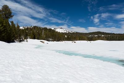 Lake Alpine. Near SR-4. Stanislaus National Forest, CA, USA