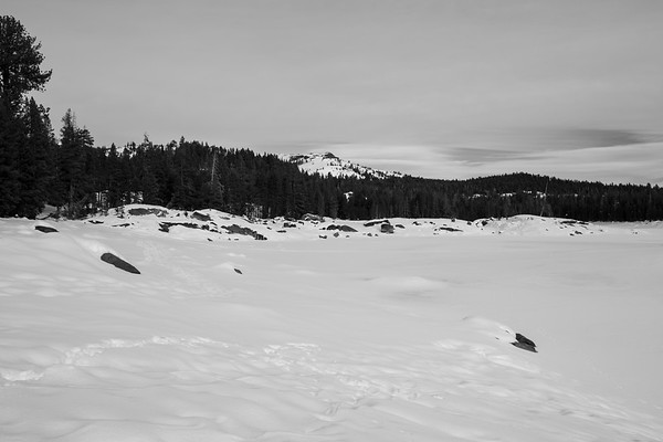 Lake Alpine. Near SR-4 (Winter Trail). Stanislaus National Forest, CA, USA