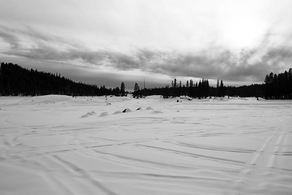 Lake Alpine. SR-4 (Winter Trail). Stanislaus National Forest, CA, USA