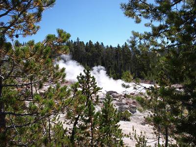 Steamboat Geyser. Norris Geyser Basin - Yellowstone National Park
