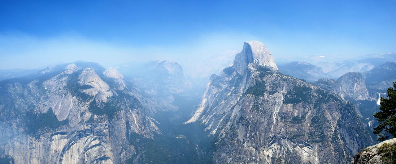 Panorama. Glacier Point - Yosemite National Park - California, USA