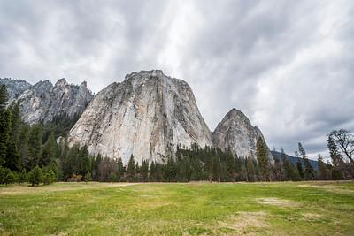 Cathedral Rocks. El Capitan Drive - Yosemite National Park