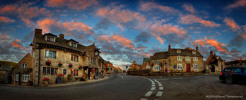 4.2014 - Corfe Castle Village Pano