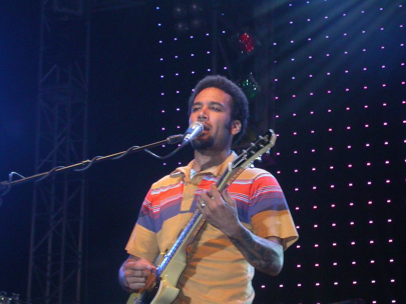 Ben Harper & the Innocent Criminals (Webmoment Photo)
