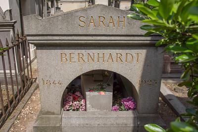 Sarah Berhardt's tomb