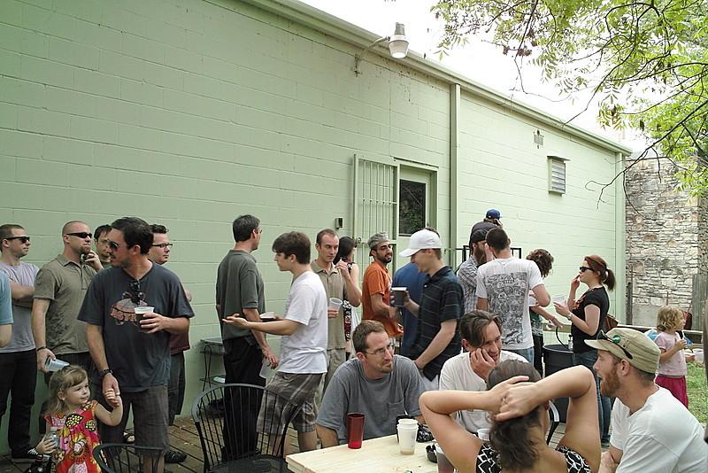 SDIM3371 - Free beer is always popular