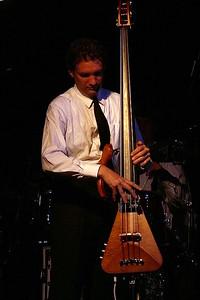 L1030611 - Bassist Victor Krauss
