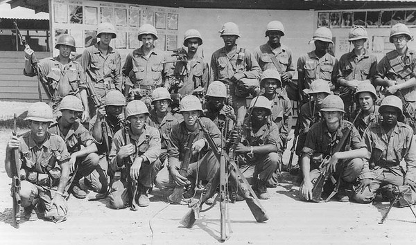 25th Infantry...Sammy Amendola (4th from left with the M-60 on his shoulder)