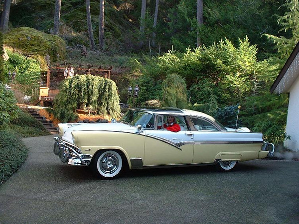 '56 Ford Crown Victoria Skyliner