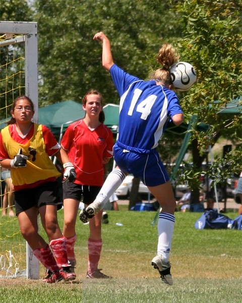 Serious header with compression from a corner kick!