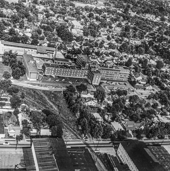 Messenger-Inquirer photo<br /> <br /> Aerial photo - Owensboro Daviess County Hospital. 1961