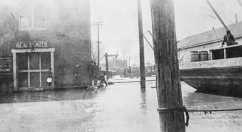Messenger-Inquirer Photo <br /> No photo credit - no date - Blacksmith shop and flooding