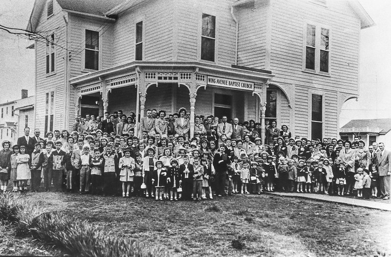 "Messenger-Inquirer Photo <br /> No photo credit - Wing Avenue Baptist Church. Photo labeled ""Mayor Hickman's old house in 1950"""