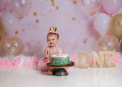 Harpers first bday-40a
