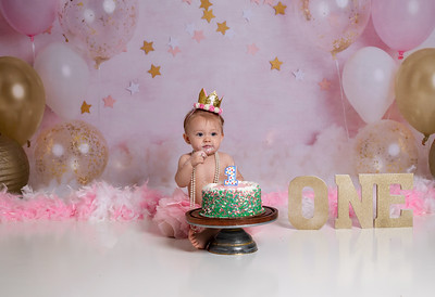 Harpers first bday-5a