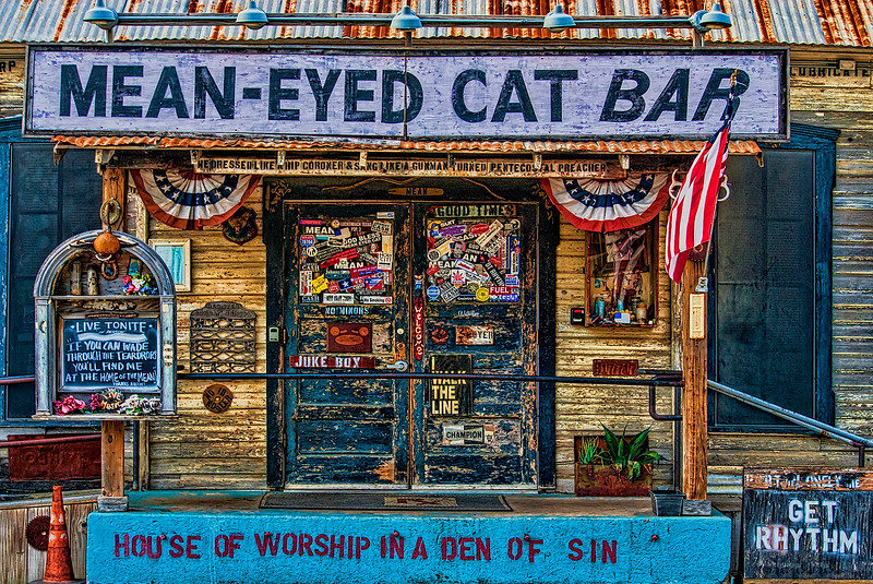5117 Mean-Eyed-Cat,Downtown-ATX-_v1 copy