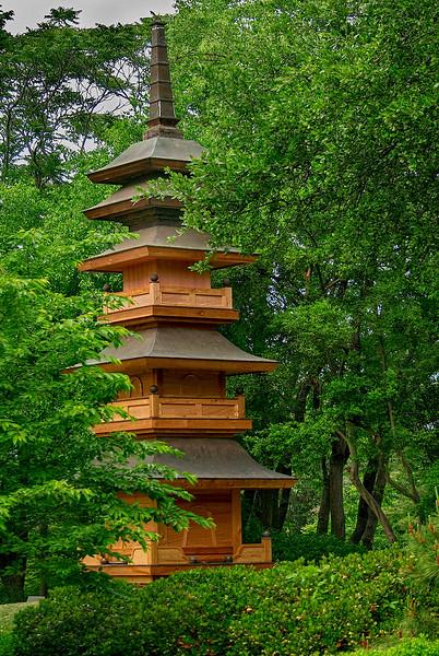 4406 Pagoda-Illustrates-Japanese-Garden-_v1