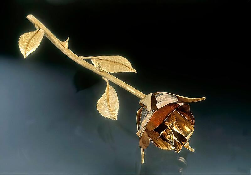 18kt gold rose forged lifesize