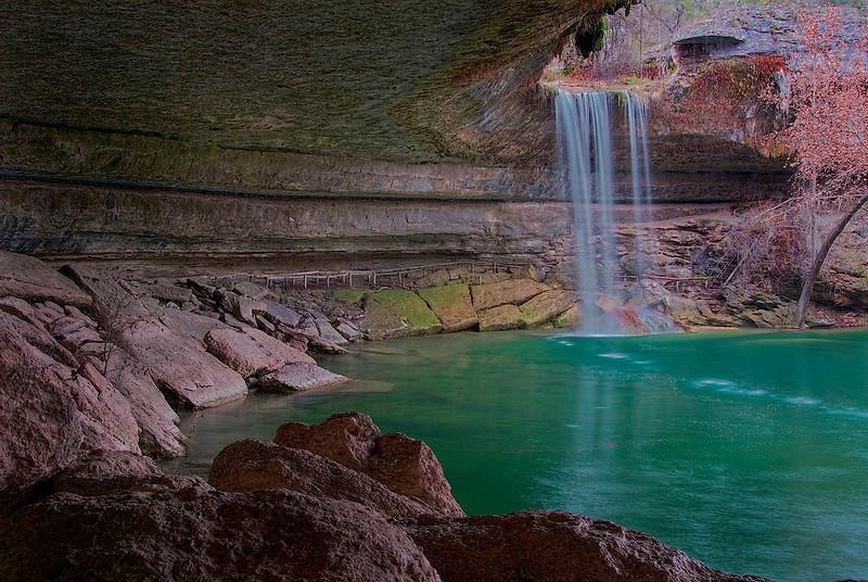 3139-Hamilton-Pool-Cascade-In-Autumn-_v1