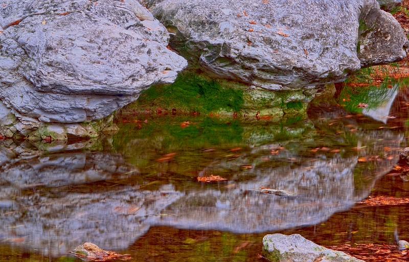 3548 Limestone-And-Moss-Creekside