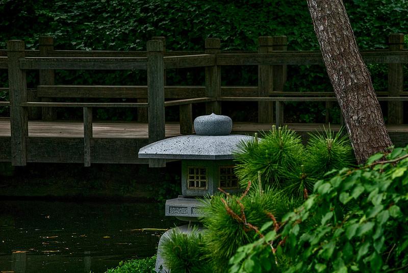 4364 Japanese-Garden-Lantern_v1 copy
