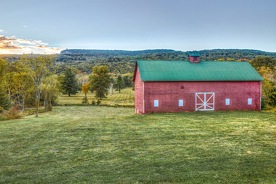 Studley Barn, Butterville Road, Mohonk Skytop in Background, New Paltz, New York, USA
