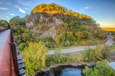 Rosendale Trestle, Joppenbergh Mountain, Fall, Sunset, Rosendale, New York, USA