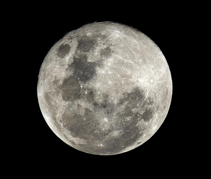 Main Beach, Moon.<br /> Nikon 500mm + TC-14B<br /> 700mm F/5.6