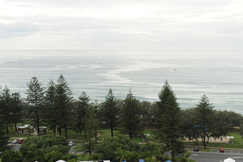Main Beach, Queensland. 9:06am