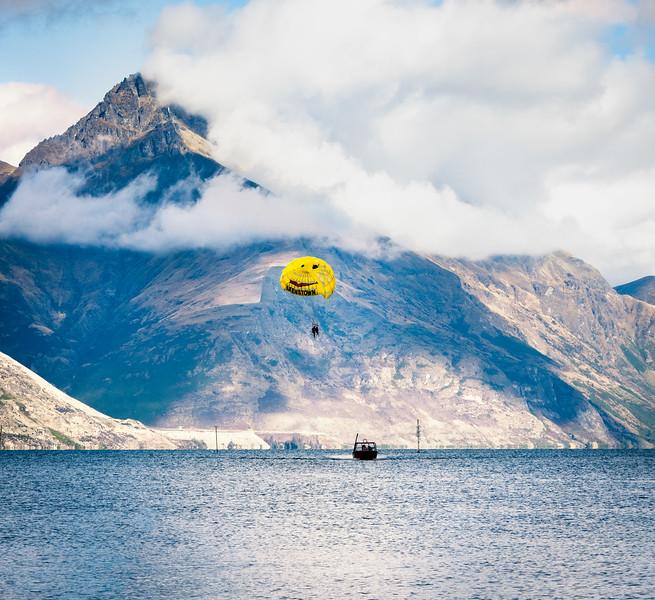 Queenstown Parasailing on Lake Wakatipu