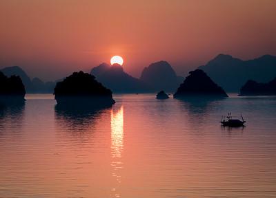 Sunrise at Halong Bay