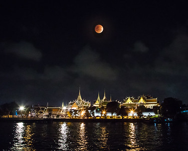 Blood Moon over the Grand Palace, Bangkok (Chao Prayha River, 1/31/2018)