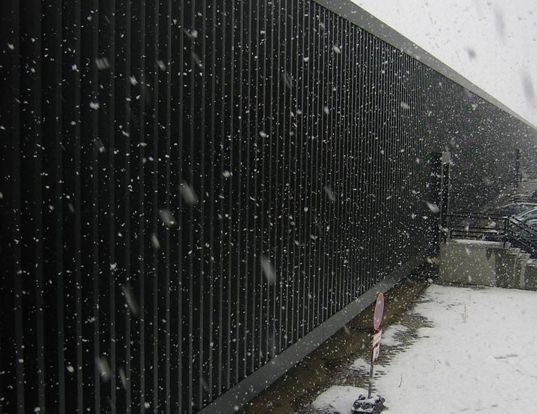 schnee und metallabstellgleis