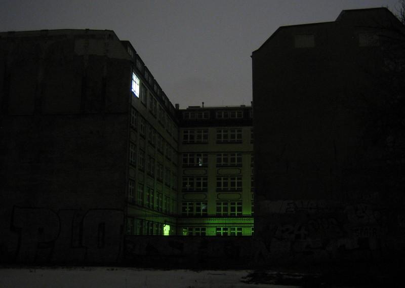 green light at night