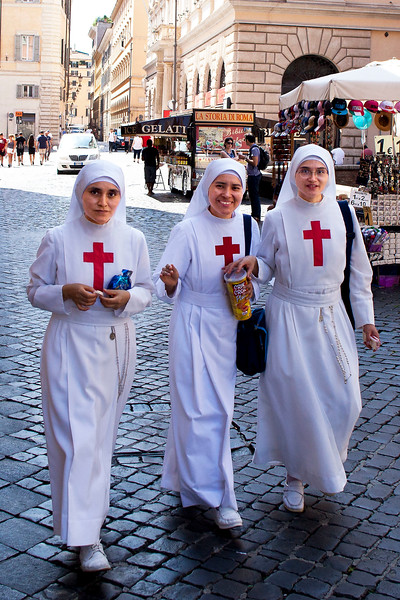 Nuns  in Piazza della Rotonda, near Pantheon, Rome