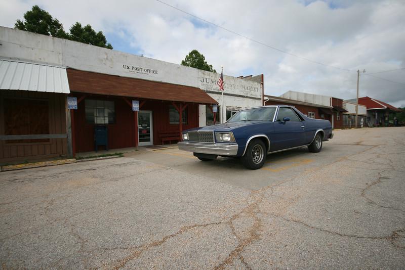 post office in Macks Creek, MO