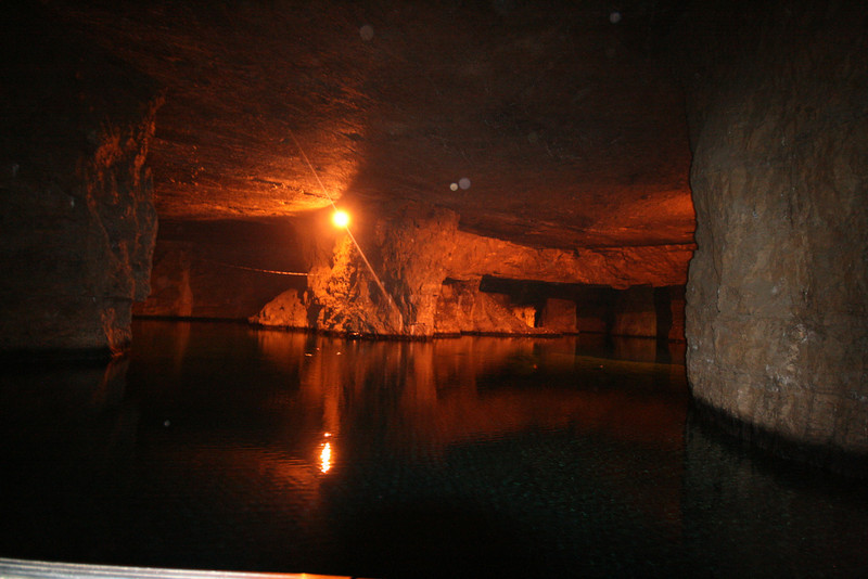 Bonne Terre mine, flooded with clear water
