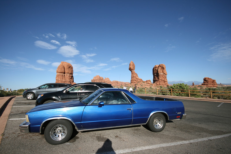 the El Camino at Balanced Rock in Arches National Park in Utah