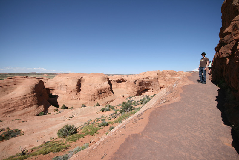 Hiking up to Delicate Arch, the last bend