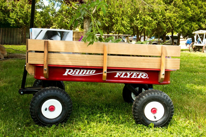 Radio Flyer, Hauling Plants and Hampton Magazines, Memorial day Weekend, 2017