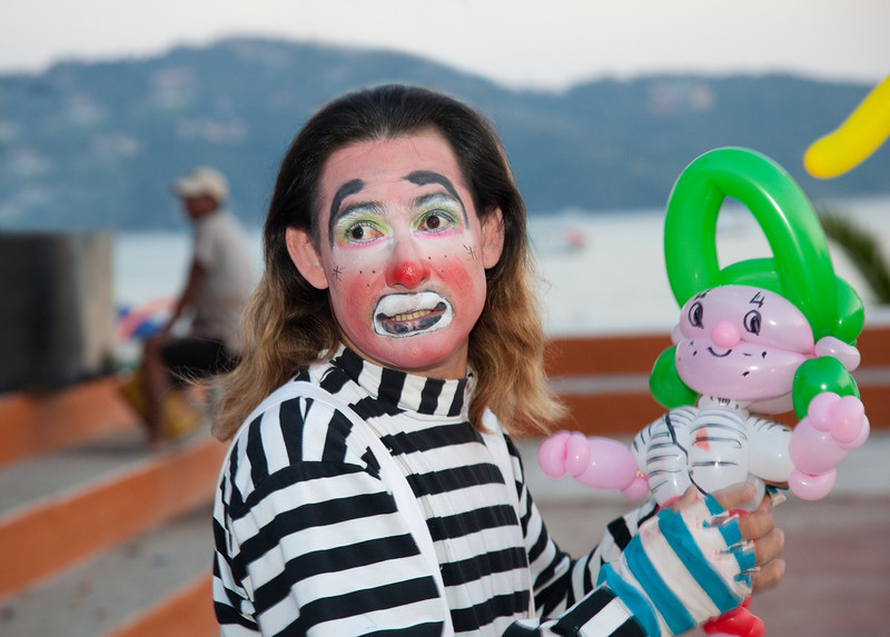 Balloon Designer, Town Square, Zihuatanejo