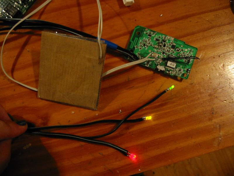 switch with led\'s showing full wifi signal