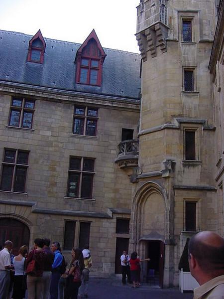 courtyard of L\'Hotel de Sens
